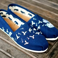 Hand Painted Navy Dandelion TOMS
