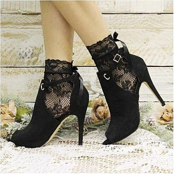 COSMOPOLITAN lace ribbon bow sock - black