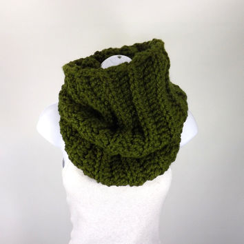 SALE Chunky Cowl /CILANTRO/, Large Chunky Cowl, Unisex Cowl Neck Warmer, Woolen Cowl Scarf, Gift Idea