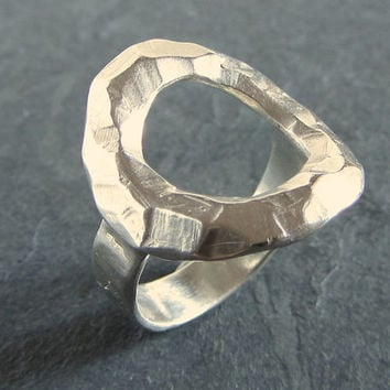 Rustic sterling silver circle ring // statement ring / sterling silver ring / unique ring / rough ring / rustic jewelry / unique jewelry