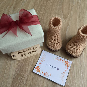 Pregnancy Announcement Gift / Grandparent Reveal / Gender Reveal / Baby Shower Gift / Newborn Baby Booties