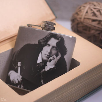Vintage Hollow Book Safe & Oscar Wilde Hip Flask - Oscar Wilde