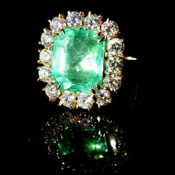 Estate Large 5.2ct Green Colombian Emerald, VS / H Diamonds & 18k Gold  Ring