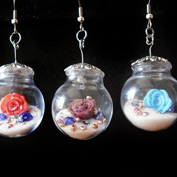 Mono earrings rose in glass with white pearls handmade in cold porcelain
