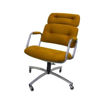 Pre-owned 1960s High-Backed Steelcase Office Chair