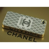 Amazon.com: Luxury Designer Gold Frame Hard Cover Case for Iphone 4, 4s White Chanel: Cell Phones & Accessories