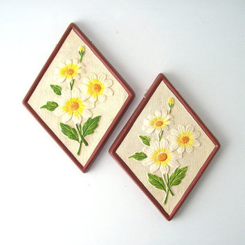vintage daisy flower wall hanging ceramic plaques lefton ceramic painted diamond white yellow green brown retro modern decorative home decor
