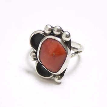 Vintage 60s Ring - Sterling Silver & Coral Southwest Native Jewelry 925 Sz 7.5