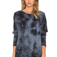 TYLER JACOBS Billie Hi-Lo Tee in Black Cloud Dye