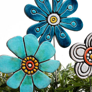 Flower garden art - plant stake - garden marker - garden decor - flower ornament - ceramic flower - buttercup - turquoise