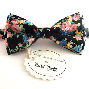 Bow Tie - floral bow tie - wedding bow tie - black bow tie with multicolored flower pattern - man bow tie - men bow tie