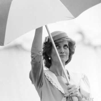 Princess Diana in Berkshire on a Stormy Day June 1985 Photographic Print at Art.com