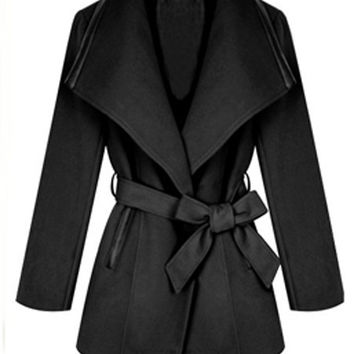'The Kezia' Black Turndown Collar Woolen Coat