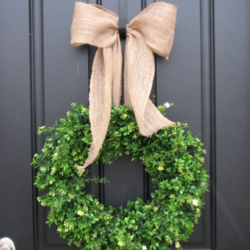 St Patrick's Day Wreath Burlap Boxwood Wreath by twoinspireyou