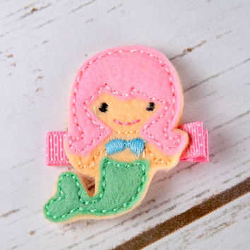 Felt mermaid hair clip, pink mermaid hair accessory, sealife mermaid hair clip, girls felt hair clips, UK seller