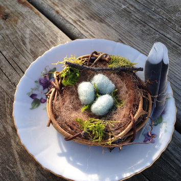 Miniature Needle Felted Bird Nest: Wool Spring Home Decor, Needle Felted Artwork, Birds Nest and Moss
