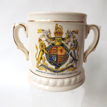 Coronation Queen Elizabeth Queen of England Tankard, Twin Handled Loving Cup, British Royalty, Memorabilia English Royal Collectors Mug