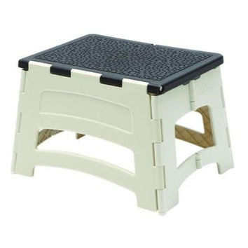 Gorilla Ladders Easy Reach Folding Step Stool