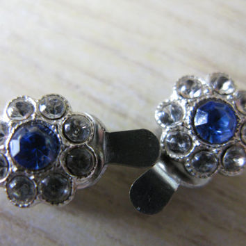Diamanté earrings - Clip on earrings - Vintage earrings - Glass crystal earrings -  Flower shaped earrings - Great Gatsby - blue and white