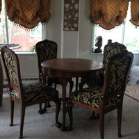 Early 1900's Parlour table and 4 chairs