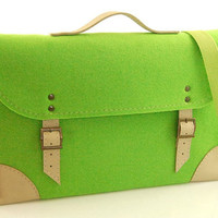 Felt Laptop bag 13 inch sleeve, macbook pro bag, macbook air 13 inch bag, Laptop case, green felt,  belt shoulder