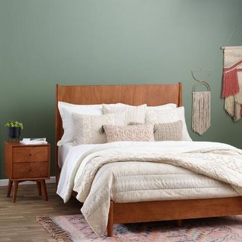 Acorn Wood Brewton Bed