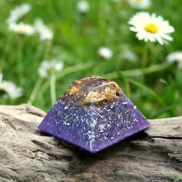 Mini Purple Orgone Pyramid - Amethyst and 24k Gold  - Chi Energy Crystal Healing Orgonite - Feng Shui Decor and Spiritual Gift