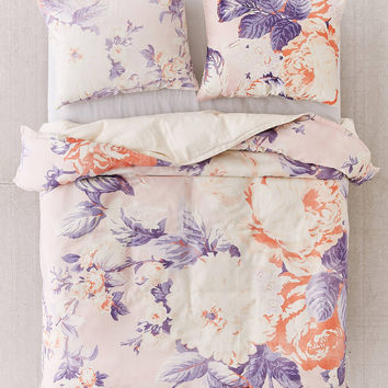 Cabbage Rose Duvet Cover   Urban Outfitters