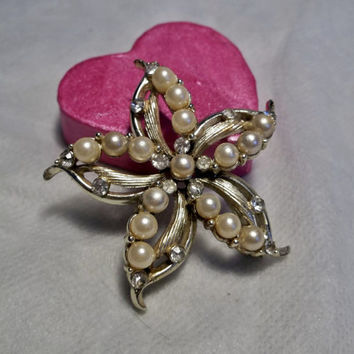 Tara or Star Signed, Faux Pearl, Rhinestone Brooch, Pin, Flower Shape, Floral, Off White Pearls, Gold Tone Estate Jewelry, Costume Jewelry