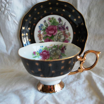Vintage tea cup  black and and gold , Tea cup and saucer in porcelain from  Japan