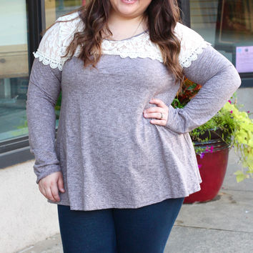 Shake It Off in Lace Top {Curvy}