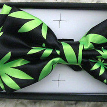 BLACK WITH NEON GREEN MARIJUANA MJ WEED LEAVES ADJUSTABLE  BOW TIE-NEW GIFT BOX!