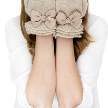 TAN RUFFLE GLOVES, tan knit gloves with bow, tan knit gloves, knit bow gloves, wool