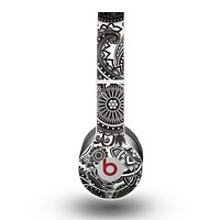 The Black & White Pasiley Pattern Skin for the Beats by Dre Original Solo-Solo HD Headphones