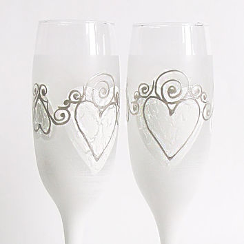 Wedding glasses- White cracked hearts. Hand painted. Personalized. Champagne glasses. Champagne Flutes. Set of 2. White. Frost, silver.