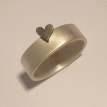 Ring. The heart... Sterling silver.
