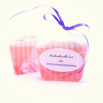 Wedding Cake Soaps; 25 Bulk Favors for Weddings, Bridal Shower, Baby Shower; Natural Glycerin, Personalized Custom Labels