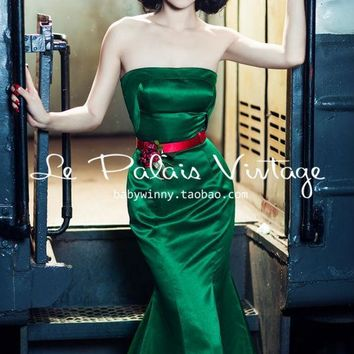Le Palais Vintage's Elegant Emerald Trumpeter Mermaid Dress - A Holiday Treat!