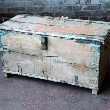 Restored Rustic Indian Antique Hand Painted Cream White Wood Coffee Table Storage Trunk Memory Box