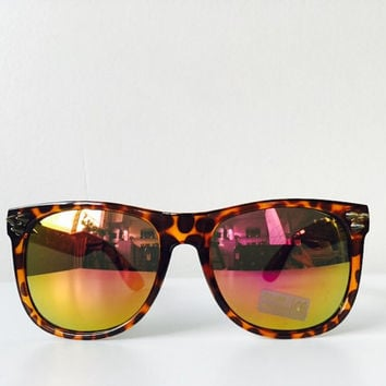 Designers Leopard Print Fashion Spiked Wayfarer Sunglasses Elegant Fit To Your Style Unisex Design