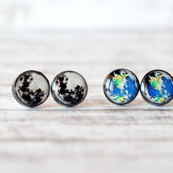Moon And Earth Earrings, Matching Earrings, Planet Earth Earrings, Univers Resin Jewelry, Resin Stud Earrings, Resin Post Earrings