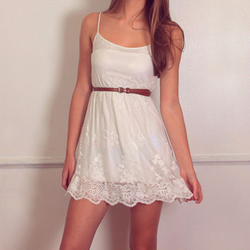 Whimsical Lace Dress - sold out