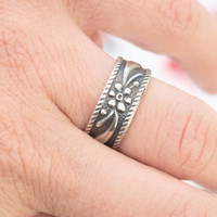 Silver pattern ring, Sterling silver ring, Silver band ring, Stackable ring, Silver stacking ring, Delicate silver ring,Oxidized silver ring