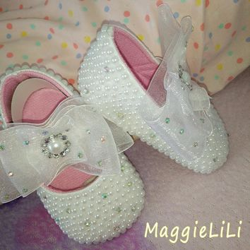 Baby Bling White pearl Rhinestone baby / toddler princess soft sole shoes