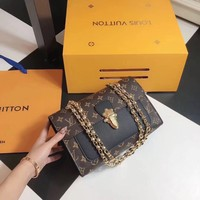 Louis Vuitton LV Victoire Shoulder bag