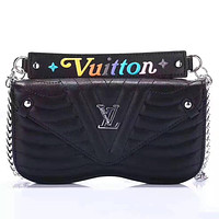 LV 2019 new wave pattern chain female models iphone8plus leather case phone case Black