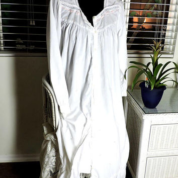 Victorian style nightgown / M / L / white cotton nightgown / button front / white embroidered nightgown / long white nightgown
