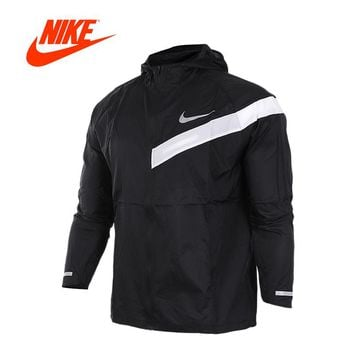 Nike Men's Windproof Windrunner Jacket