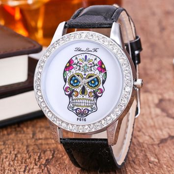 Unisex Dial Diamond Leather Analog Wrist Skull Head Watch Round Case Watch