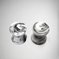 Black & White Marble Plug Set